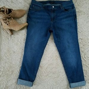 ANN TAYLOR ~RELAXED SLIM FIT~ JEANS